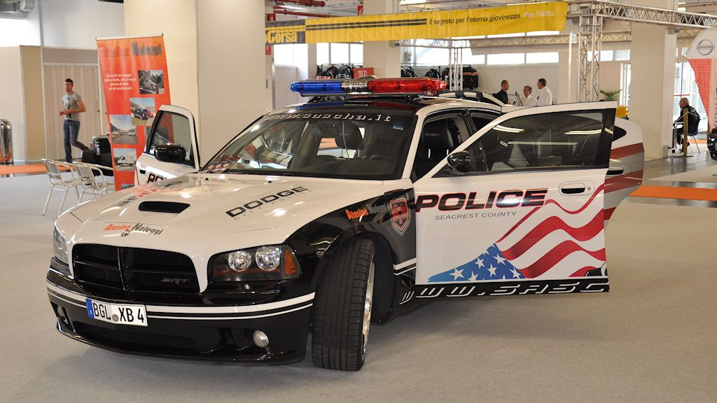 Atesina Noleggi - Dodge Charger SRT8 Police Edition