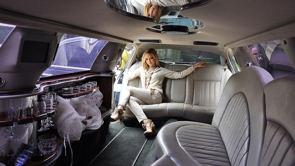 Atesina Noleggi - Lincoln Limousine Cerimonie