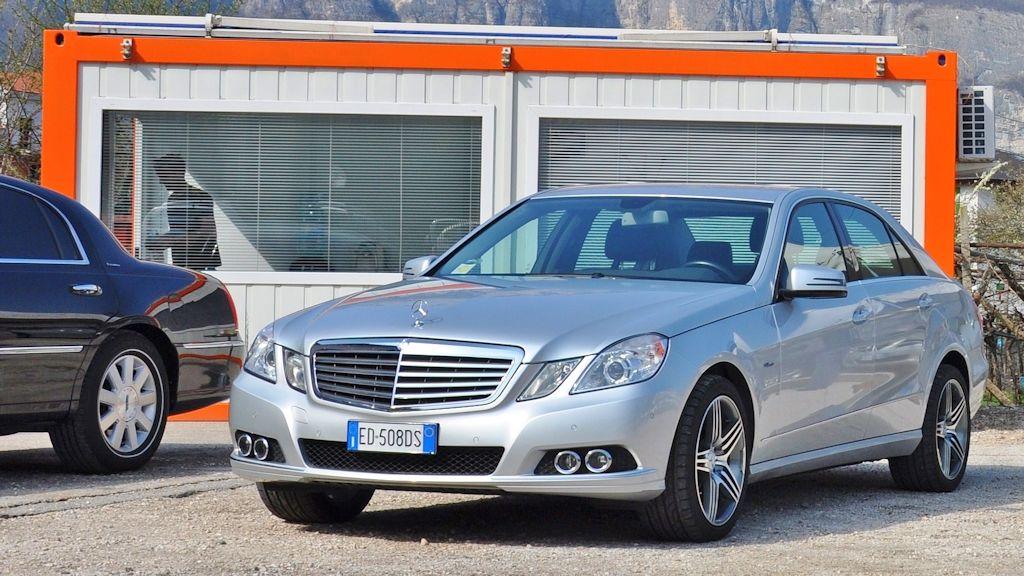 Atesina Noleggi - Mercedes E220