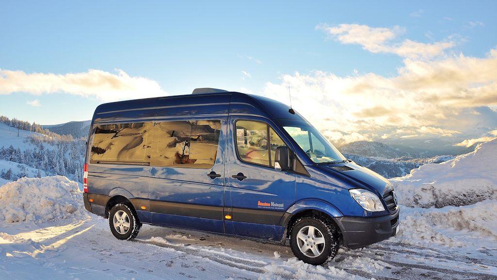 Atesina Noleggi - Mercedes Sprinter Blue Minibus